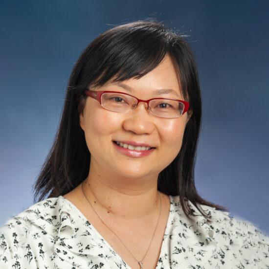Mimi Li Headshot.