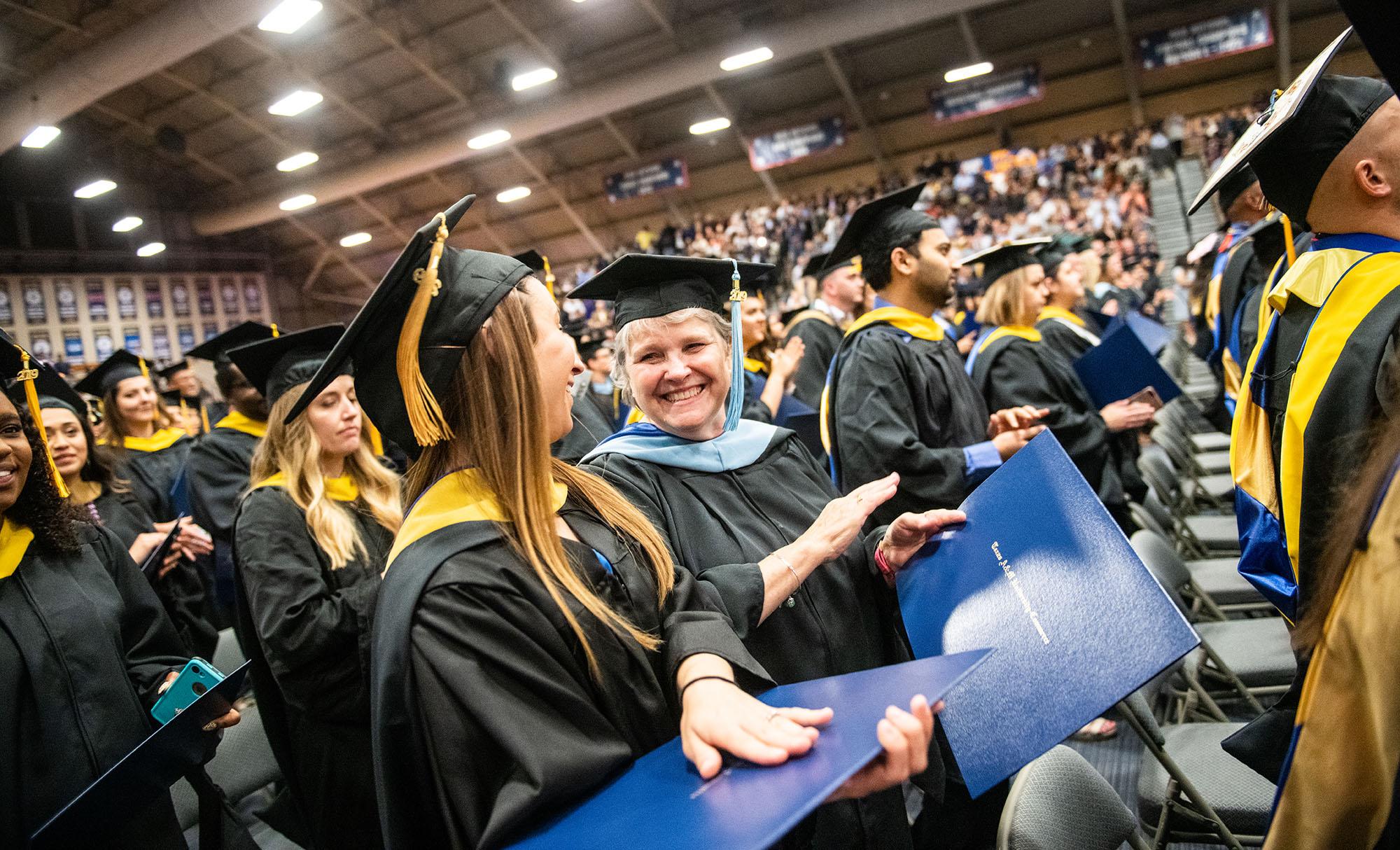 M19194- Spring Graduation 2019-8395 copy