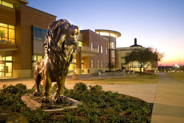 10073-New Lion Statue-2850-X3