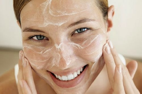 8 All Natural DIY Exfoliants For Your Face To Replace Harmful Microbead Cleansers