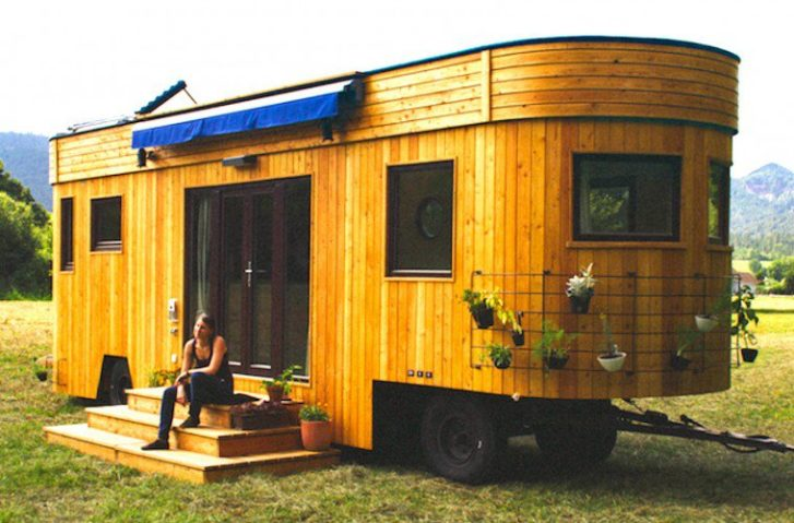 Live Off-Grid & Travel In This Beautiful Tiny Home Caravan – Take A Look Inside!