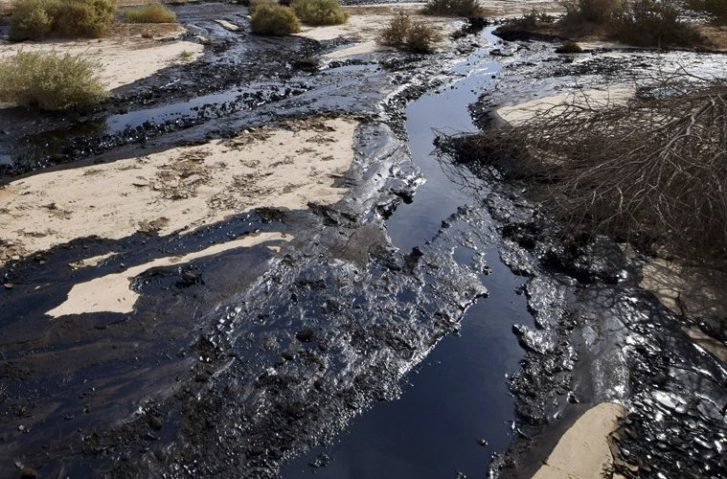 Pipeline Spills 176,000 Gallons of Oil Into Creek Near Dakota Access Protests
