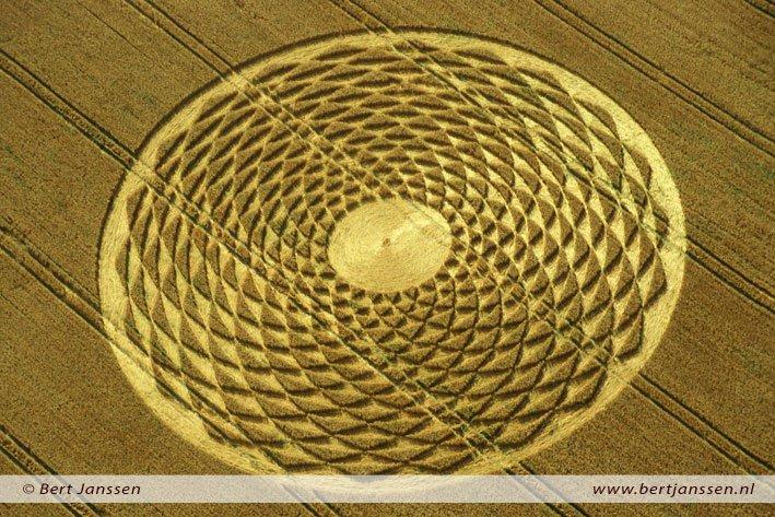 Astonishing Crop Circles Amaze Researchers