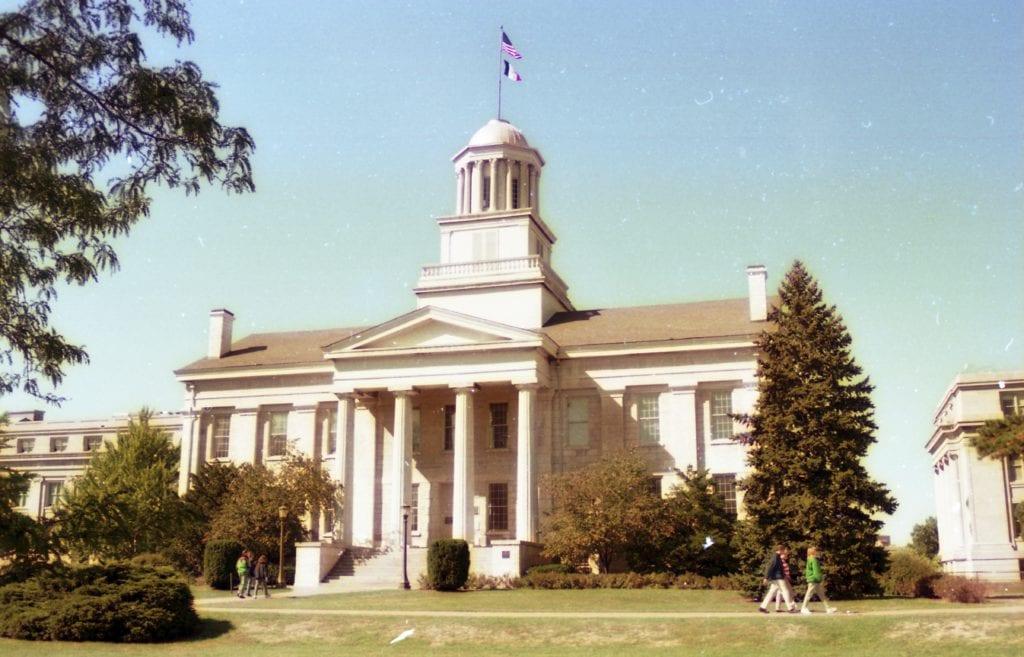 愛荷華大學校區內的標誌性歷史建築:舊州議會博物館(Old Capitol Museum)