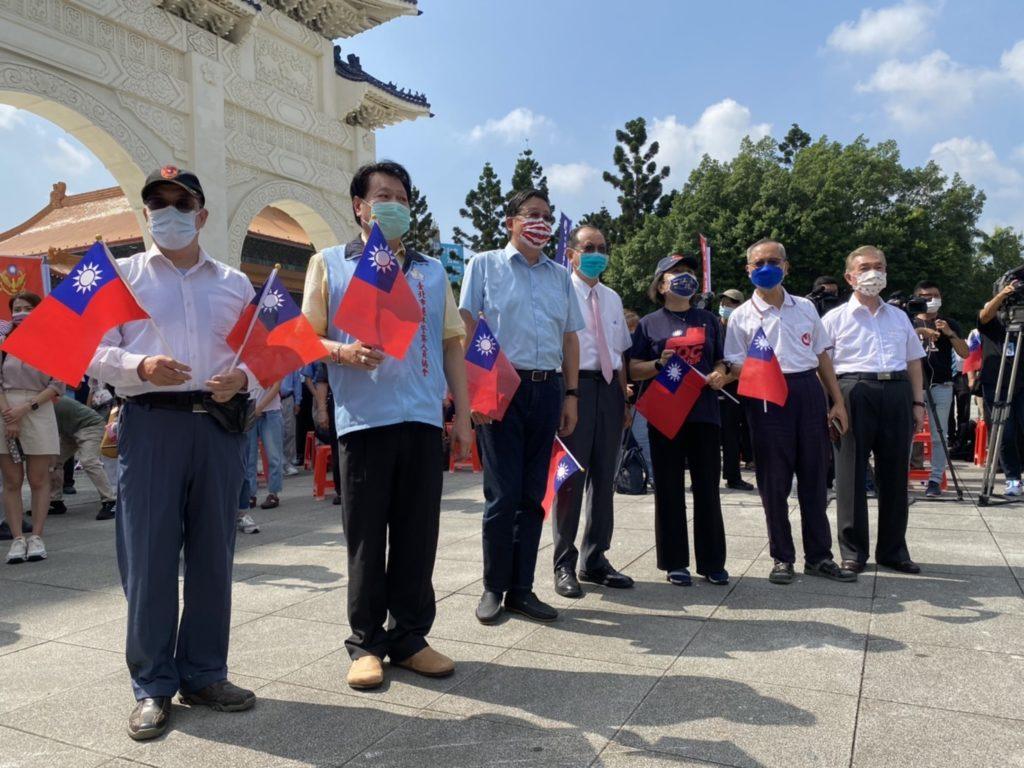 各軍警消社會團體負責人到場表達對活動的支持。(記者 辛澎祥/攝)
