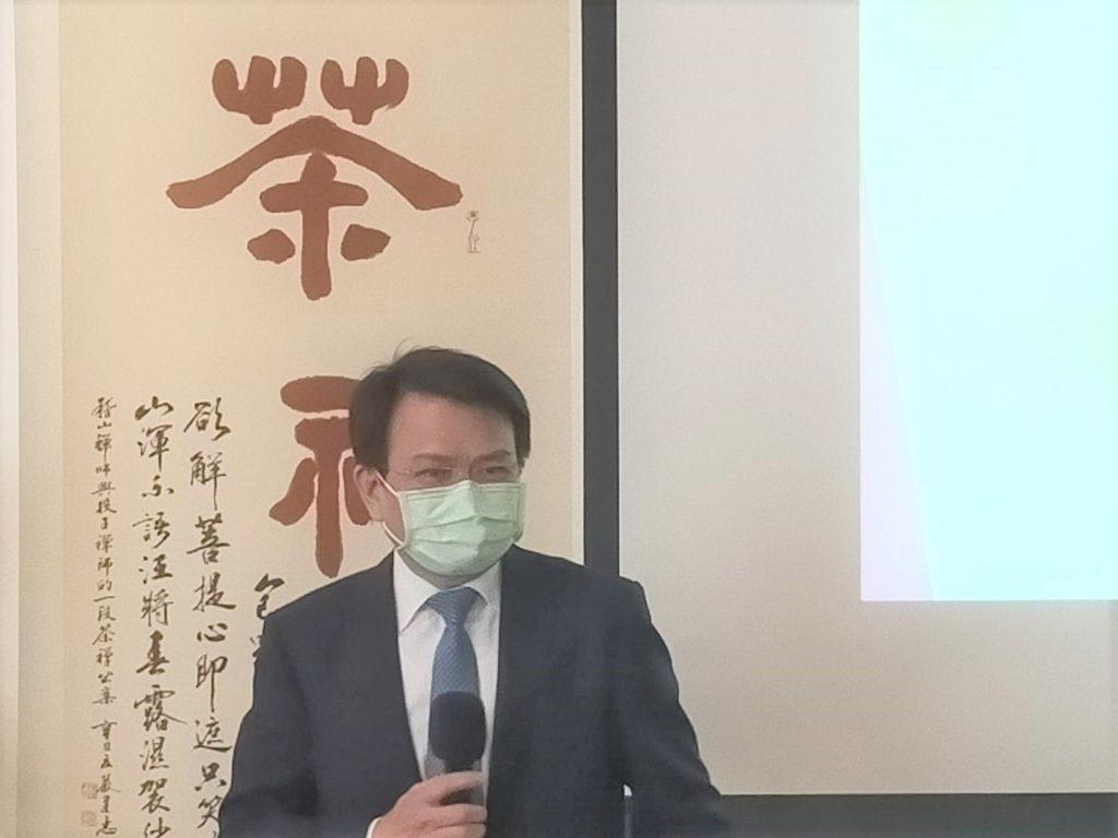淡江大學學術副校長何啟東致詞時表達對詩書畫茶文化融合的心靈提昇有正面作用。(記者 辛澎祥/攝)