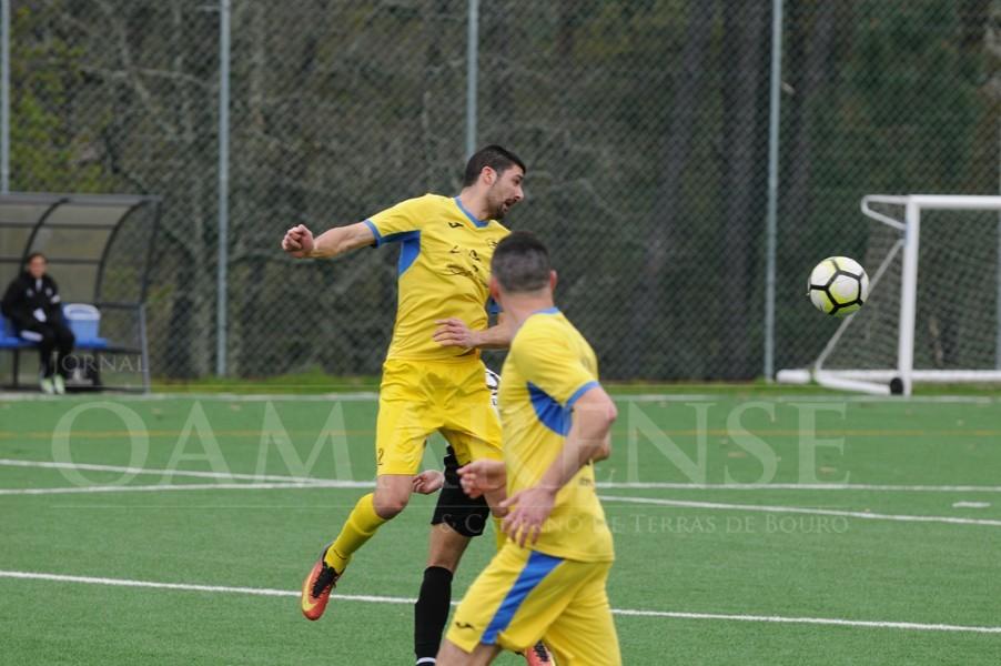 FUTEBOLHonra. FC Amares e GD Caldelas defrontam-se sem margem de erro