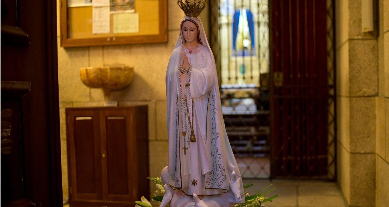 """21 DE MAIO São Bento recebe procissão de velas em memória da """"Mãe da Igreja"""""""