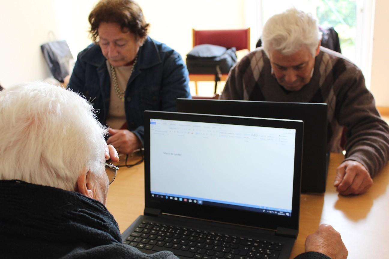 """TRÊS IPSS´S E SEIS FREGUESIAS ENVOLVIDASProjecto """"Clic@r na melhor idade"""" promove competências digitais junto da população sénior"""