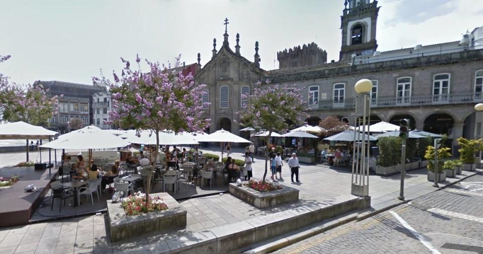 ECONOMIA - Esplanadas de Braga com período de funcionamento alargado durante o Verão