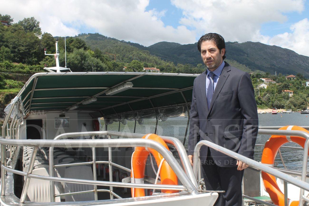 Um ano depois Barco de Rio Caldo já navega, reparado e legal –