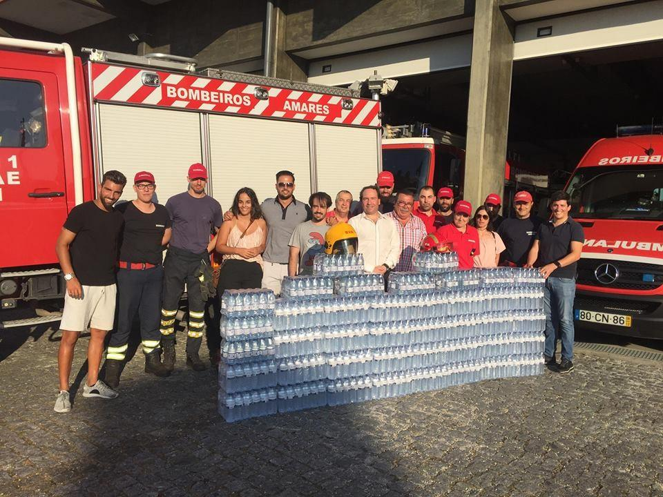 AMARES –  JSD e Moina na Estrada entregam água aos Bombeiros