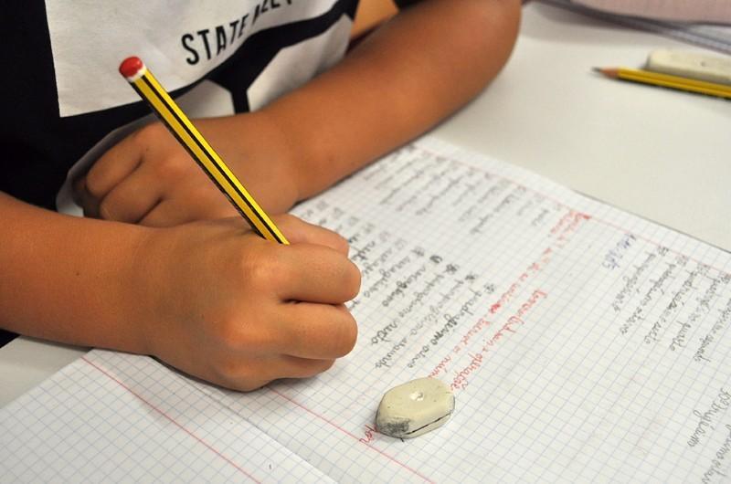 TERRAS DE BOURO –  Câmara aprova e regula apoios de âmbito escolar