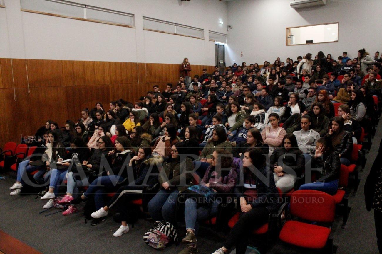 EDUCAÇÃO - EPATV sensibilizou jovens para prevenção do Cancro da Mama