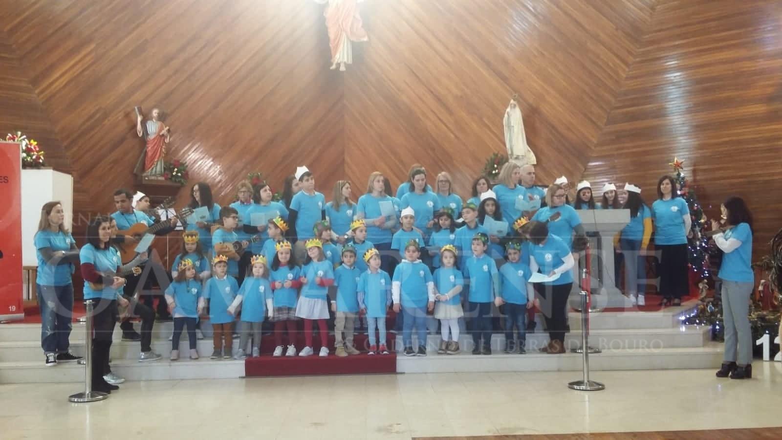 """TERRAS DE BOURO - Crianças do Centro Social de Valdozende """"levaram os Reis"""" às freguesias vizinhas"""