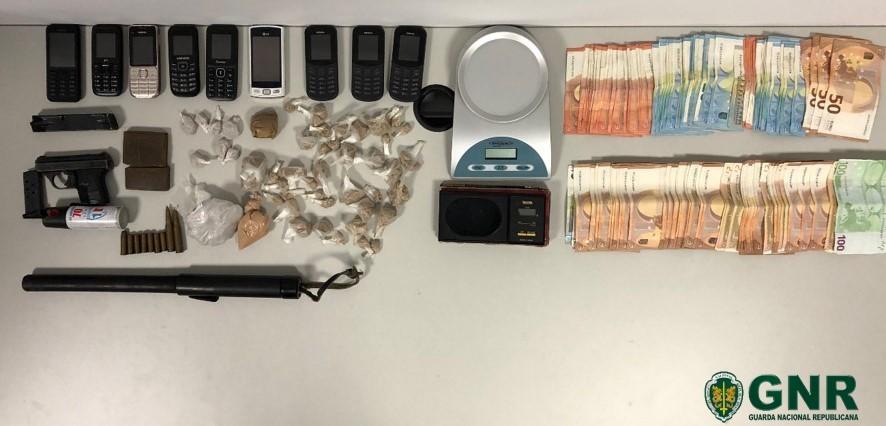 FAFE - Quatro homens detidos e dois identificados por tráfico de droga