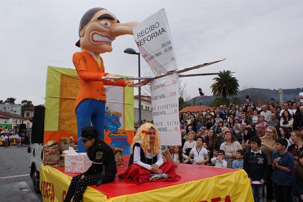 AMARES –  Brincadeira é o tema do Carnaval