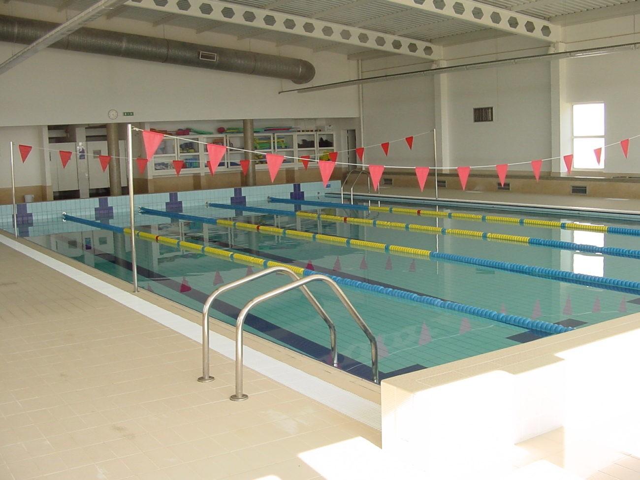AMARES – Mega aula de hidroginástica na piscina municipal