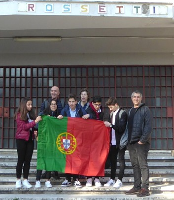 """EDUCAÇÃO - Alunos da Escola Secundária de Amares visitaram Itália no âmbito do projecto Erasmus+ """"The Power of Maths"""""""