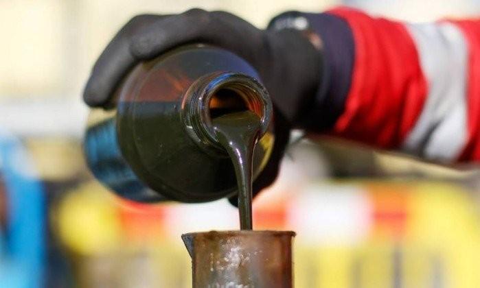 """AMBIENTE - Portugueses criaram solução """"low cost"""" para tornar petróleo menos poluente"""
