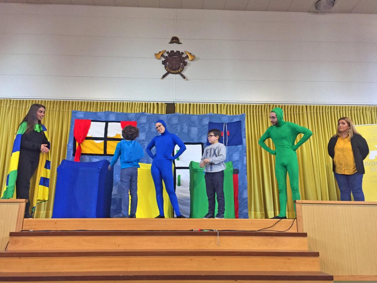 AMARES –  Alunos assistiram a peça de teatro de sensibilização para a importância da reciclagem