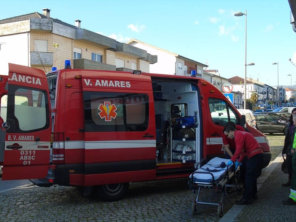 AMARES - Explosão de lareira em Paranhos deixa casal ferido
