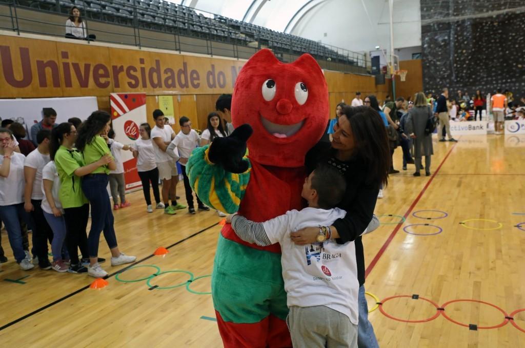 REGIÃO – Mais de 250 alunos participaram em Braga nas Mini-Olimpíadas para a educação inclusiva com escolas de Vila Verde e Amares