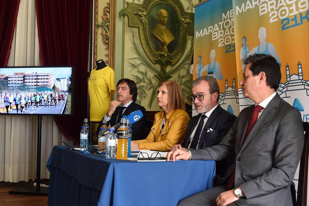 DESPORTO –  Três mil atletas de 12 nacionalidades correm a Meia Maratona de Braga