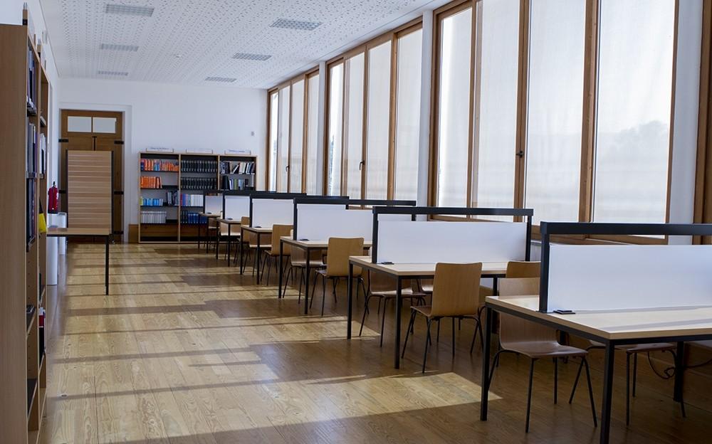 AMARES –  Câmara atribui 25 bolsas de estudo a alunos do ensino superior