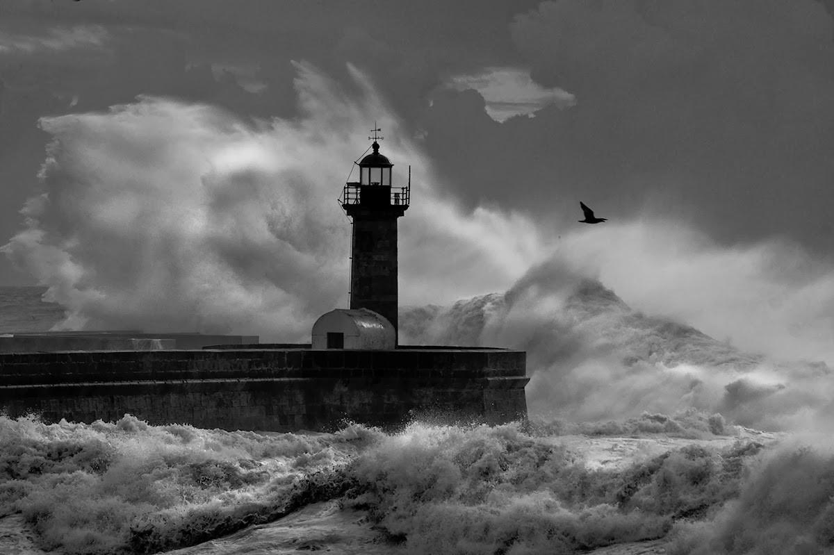 METEOROLOGIA –  Braga com aviso amarelo devido a agitação marítima esta quarta-feira