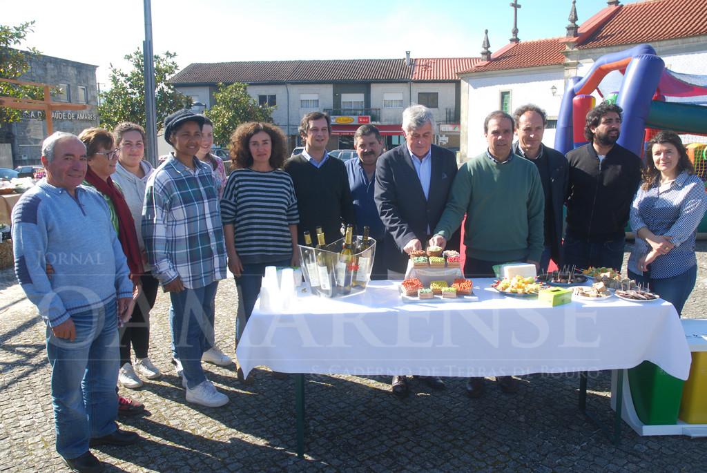 AMARES –  Mercado tradicional de produtos locais festejou primeiro ano de actividade