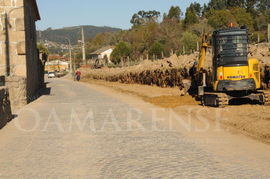 RENDUFE –  Estrada municipal junto ao mosteiro está a ser alargada