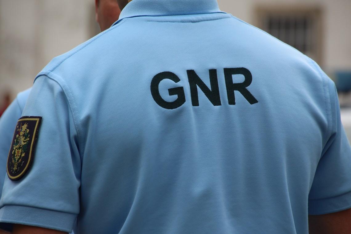 CRIME –  GNR detém três pessoas por mais de 20 furtos em carros