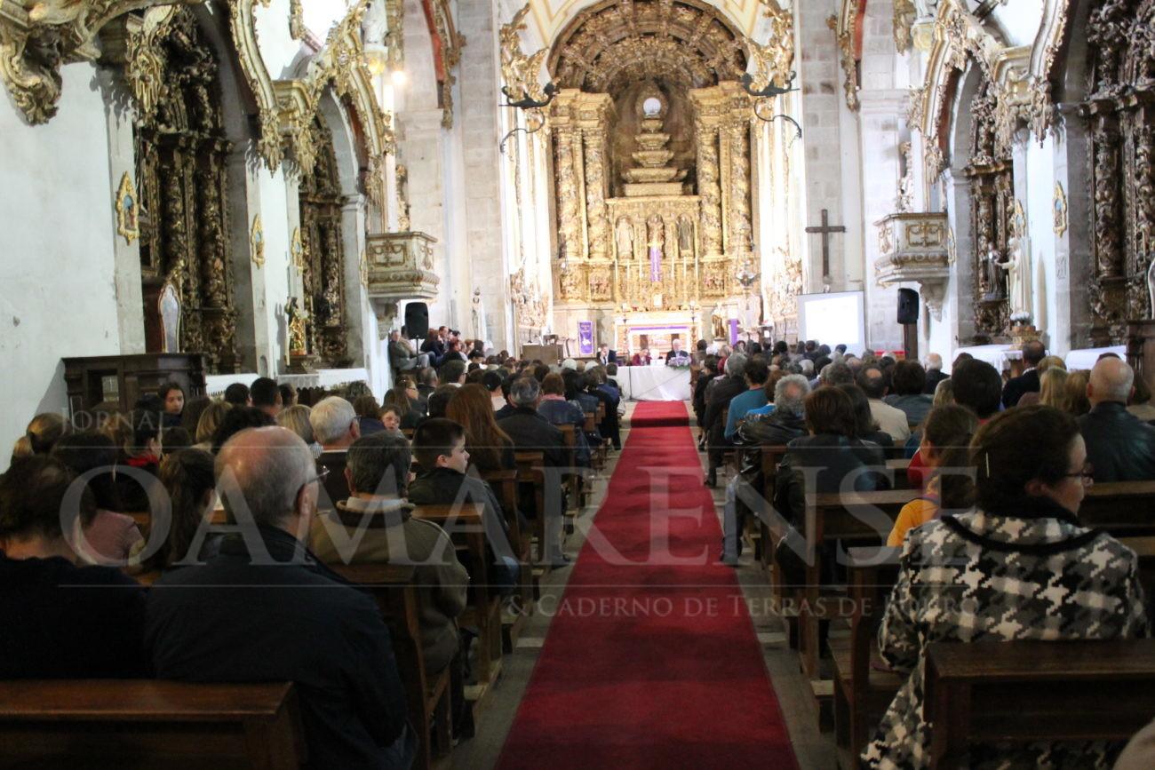 """RELIGIÃO – Mosteiro de Rendufe repleto de gente para assistir a conferência """"A minha dor e as dores de Cristo"""""""