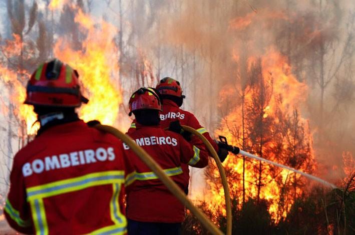 INCÊNDIOS –  Quase 70 operacionais no terreno em Amares e Terras de Bouro