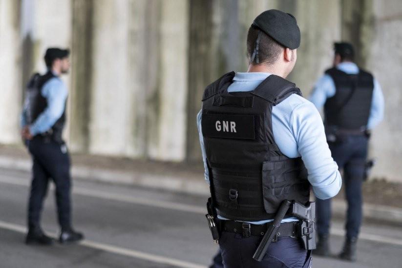 ACTIVIDADE OPERACIONAL - GNR deteve 27 pessoas em flagrante delito na passada semana