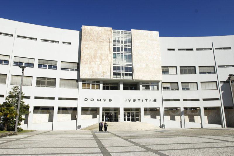 """JUSTIÇA - """"Arrumador"""" condenado a 20 anos por homicídio viu pena agravada em um mês"""