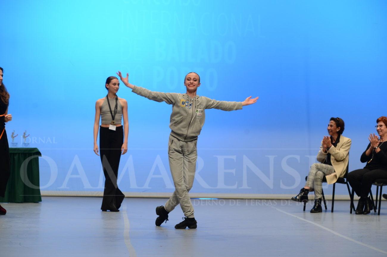 CULTURA - Bailarina da escola de dança Ent'Artes distinguida como Melhor Solista Contemporâneo
