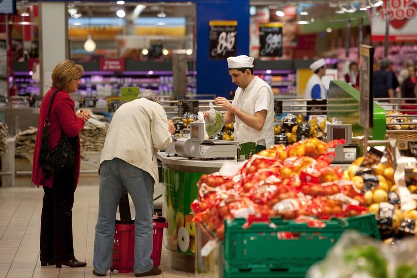 PAÍS – Trabalhadores de hiper e supermercados marcam greve para o Dia do Trabalhador