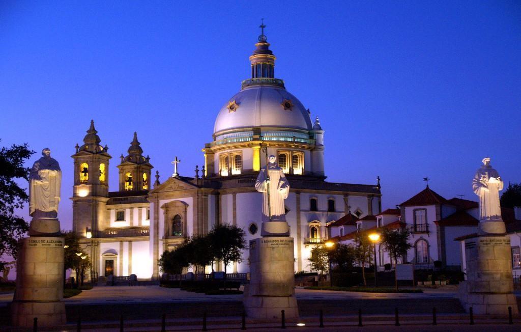 BRAGA – Posto do Turismo do Sameiro recebe exposição sobre Santos Populares