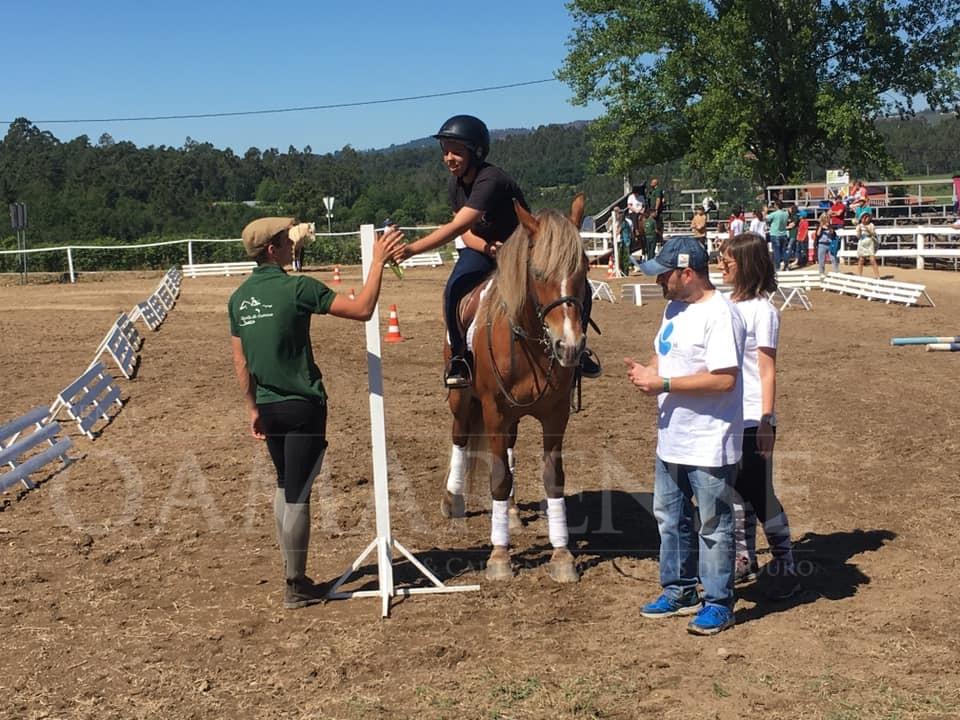 """CALDELAS (Quinta de Lamoso): Jogos Equestres proporcionaram """"dia especial"""" a crianças e jovens com necessidades especiais"""