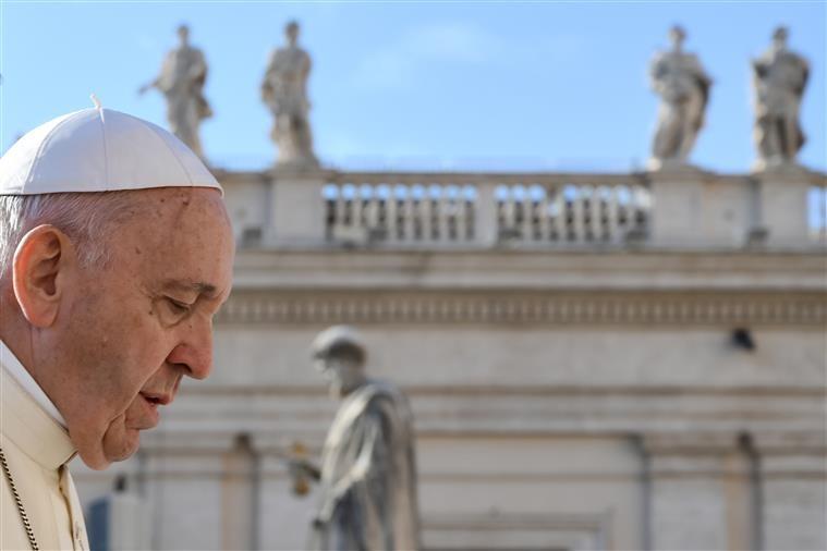 MUNDO – Papa torna obrigatória denúncia de abusos sexuais dentro da Igreja