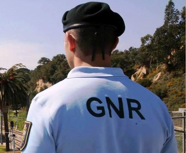 CRIME - GNR de Fafe detém jovem por posse de cerca 360 doses de droga