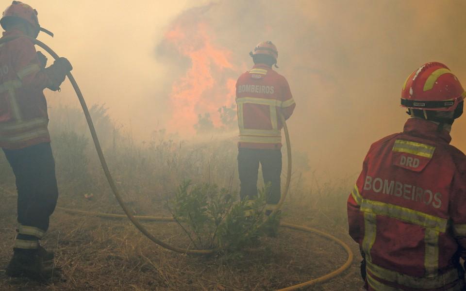 PAÍS –  Portugal entre os países da UE que menos gastam para financiar os bombeiros: 22 euros