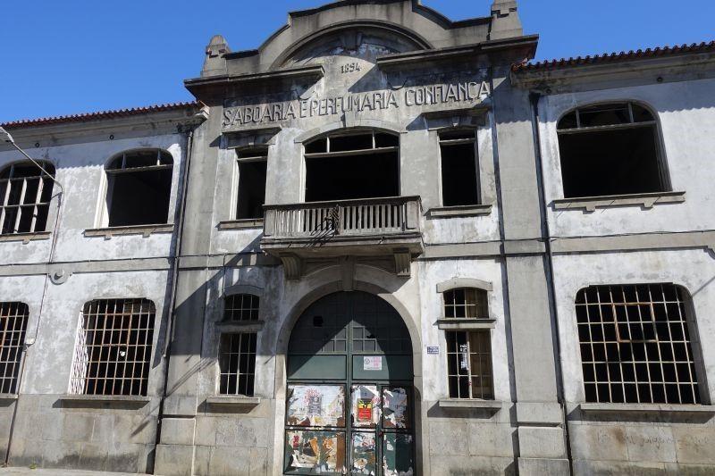 """JUSTIÇA - MP defende procedência da acção para travar venda da """"Confiança"""" em Braga"""