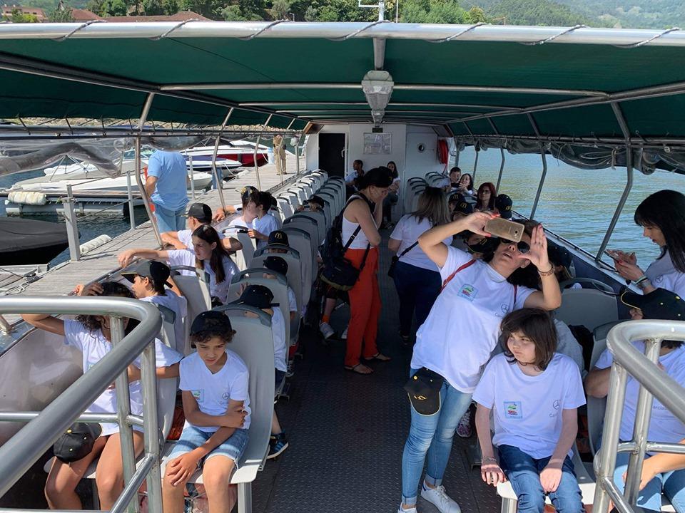 """TERRAS DE BOURO – Associação de Clichy põe """"meninos a sonhar"""" nas águas do Gerês"""