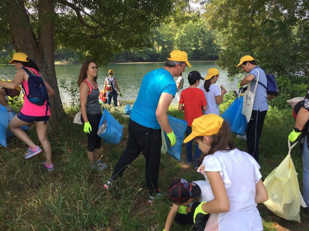 AMARES – Três dezenas de pessoas recolhem 300 kg de lixo na margem do Cávado