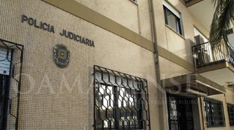 CRIME - PJ deteve mulher que atacou casal por dívida familiar