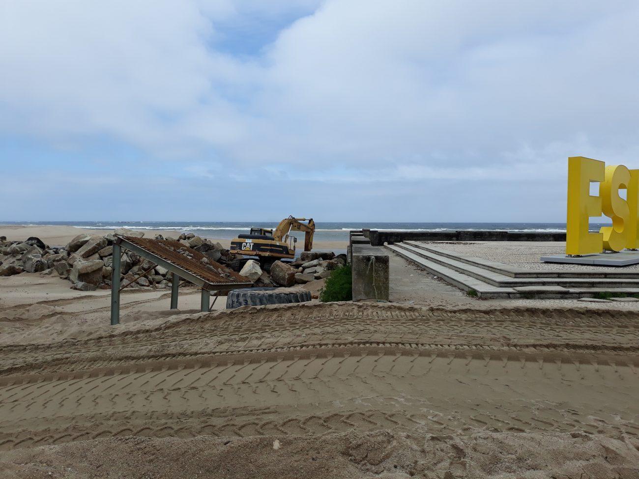 REGIÃO - Prossegue alimentação artificial de areias nas praias de Suave Mar e Cepães em Esposende