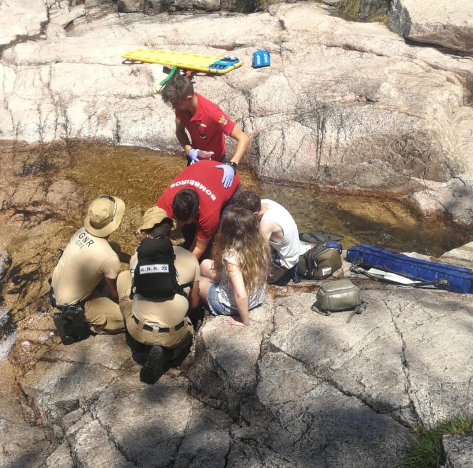 GERÊS – Mulher parte perna em queda em cascata no Gerês